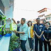 Make defibrillators (AED) compulsory in public spaces by Putrajaya